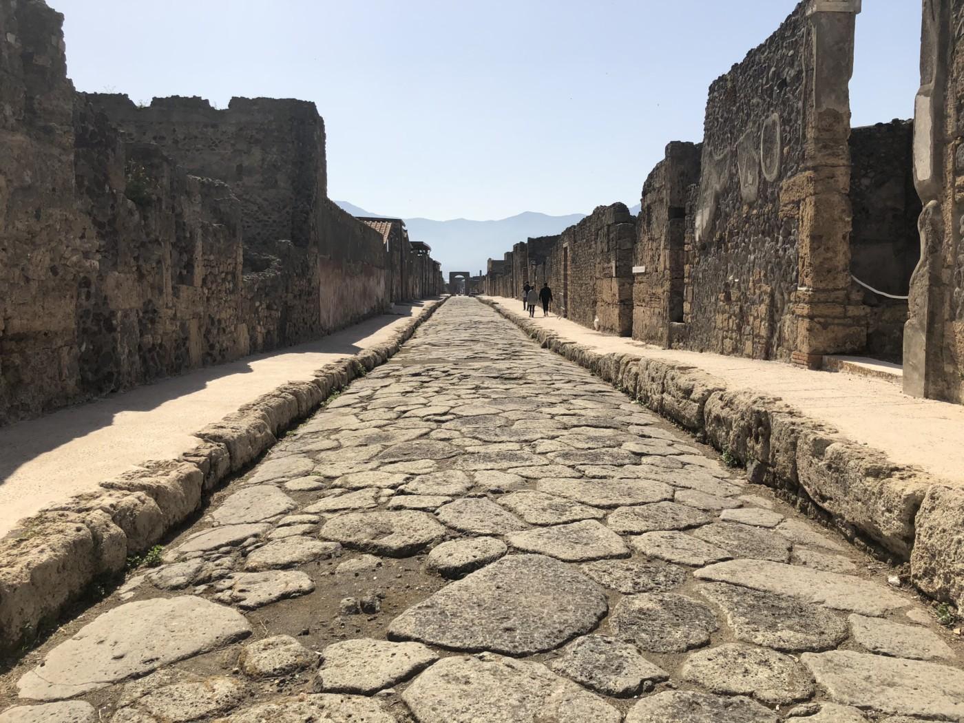 Visiting Pompeii, Italy and hiking Mount Vesuvius