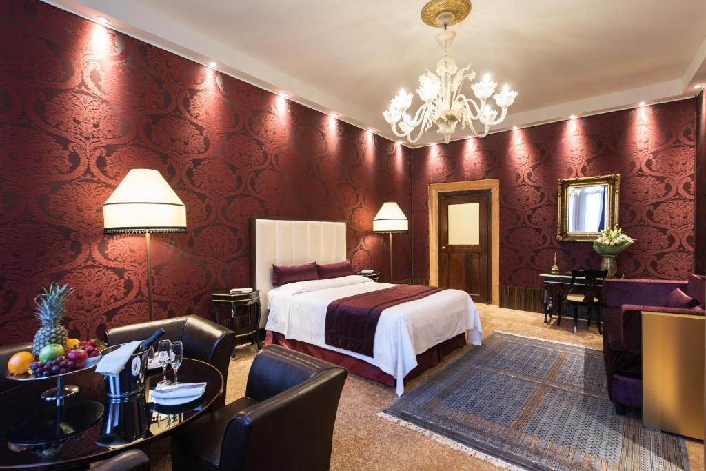 Where to stay in Venice, Italy Locanda Leon Bianco hotel review