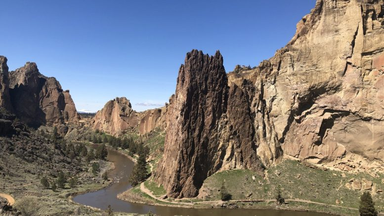 Visiting Smith Rock State Park in Oregon: hiking, climbing, and camping
