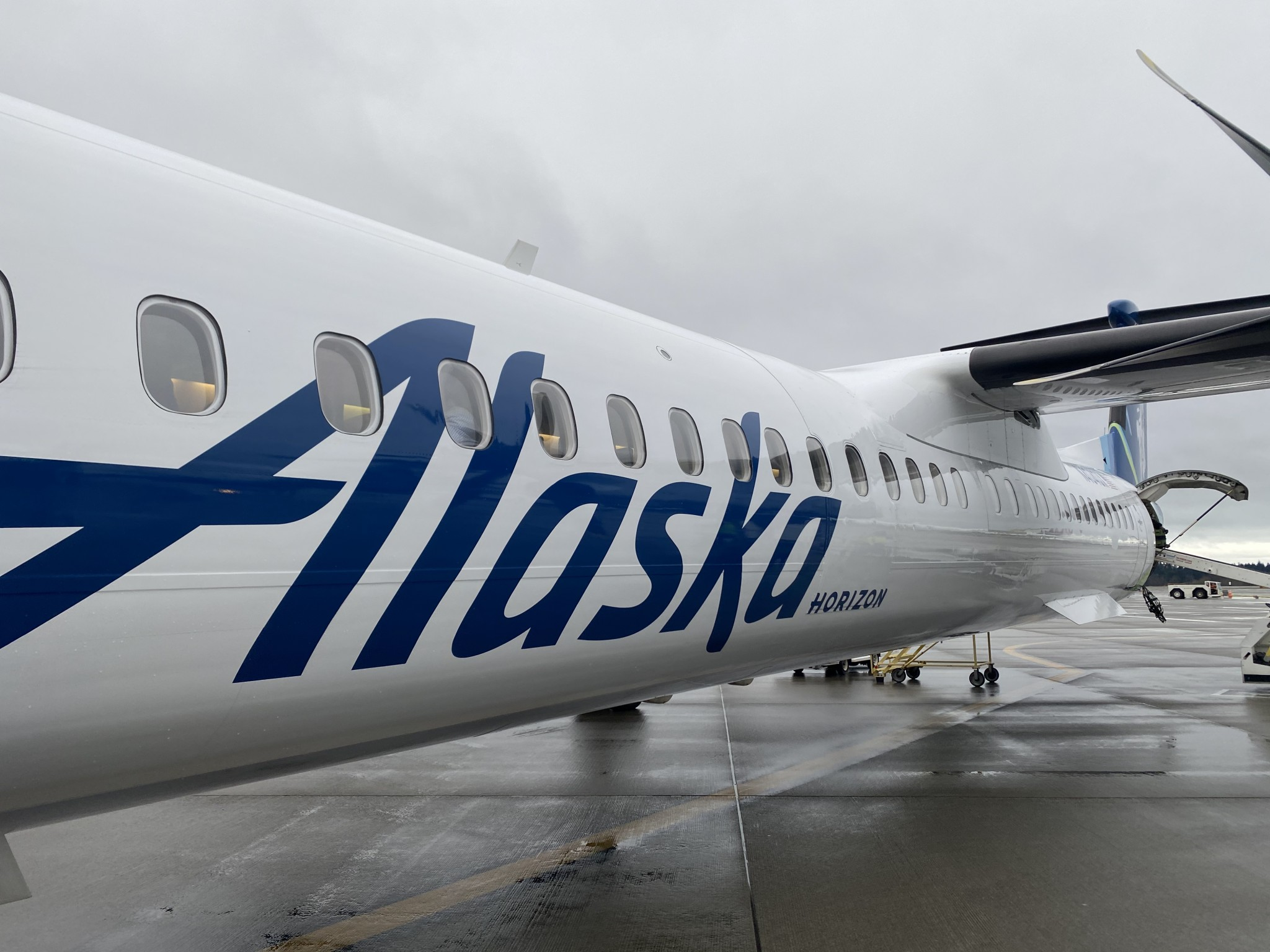 Alaska Airlines to permanently ban guests not complying with mask policy